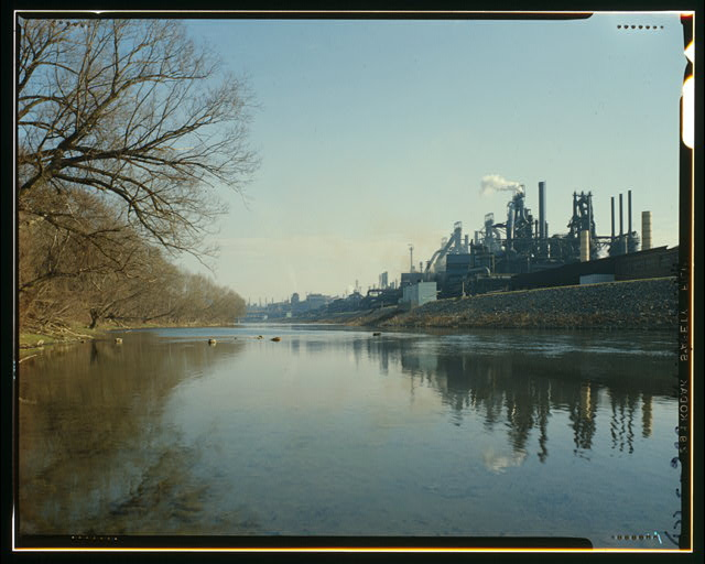 Bethlehem Steel once ran more than 2.5 miles along the Lehigh River, and occupied more than 1,600 acres. Photo by HAER. Via Library of Congress.
